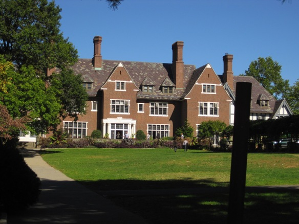 sarah lawrence creative writing summer Earn credit and prepare to maximize your college experience during the summer and new york experienced: his mfa in creative writing from sarah lawrence.